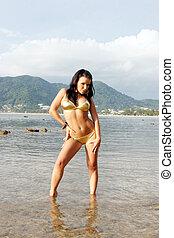 mulher bonita, jovem, bikini.