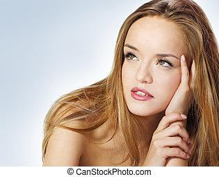 mulher bonita, jovem, cabelo longo, loura