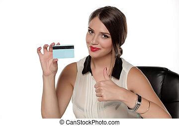 mulher bonita, jovem, crédito, segurando, cartão