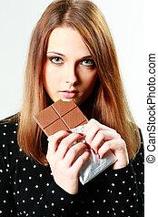 mulher bonita, jovem, isolado, chocolate, segurando, branca