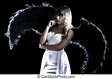 mulher bonita, jovem, longo, pretas, vestido branco, asas