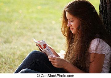mulher bonita, jovem, revista, retrato, leitura
