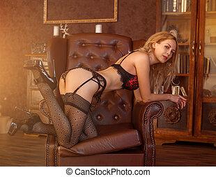 mulher bonita, langerie, pretas, excitado, vermelho