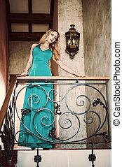 mulher bonita, longo, elegante, vestido verde