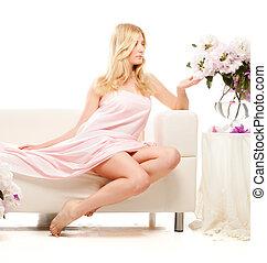 mulher bonita, manhã, cama, sentando