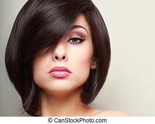 mulher bonita, maquilagem, cabelo, luminoso, shortinho, pretas, closeup, style.
