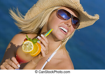 mulher bonita, mar, coquetel, loura, bebendo