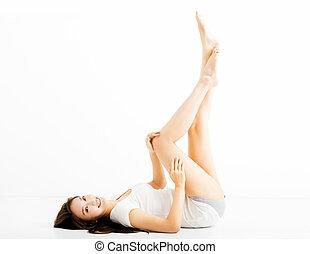 mulher bonita, mostrando, jovem, pernas longas
