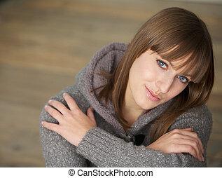 mulher bonita, olhando jovem, câmera, retrato