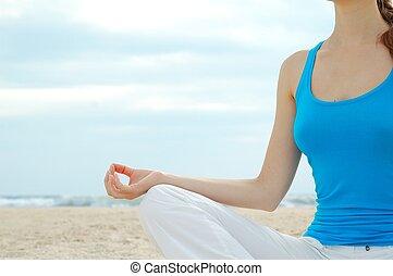 mulher bonita, prática, ioga, praia