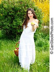 mulher bonita, presente, apples.go, para, tu, ligado, a, natureza