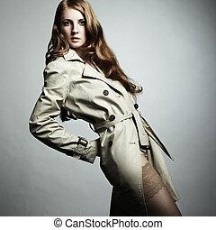 mulher bonita, raincoat, jovem, moda, retrato