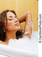 mulher bonita, relaxante, banho