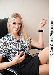 mulher bonita, relaxante, dela, negócio, escritório.