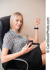 mulher bonita, relaxante, escritório negócio, dela