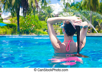 mulher bonita, relaxante, jovem, spa, piscina