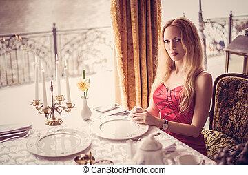 mulher bonita, restaurante, moda, vestido, vermelho