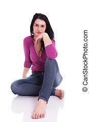 mulher bonita, sentando, chão