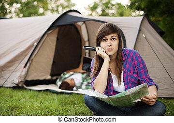 mulher bonita, sentando, jovem, frente, barraca