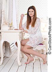 mulher bonita, sentando, jovem, vestindo, retrato, tabela