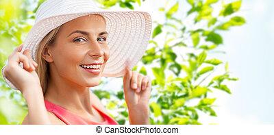 mulher bonita, sol, retrato, sorrindo, chapéu