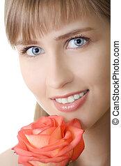 mulher bonita, sorrizo, com, rosa, isolado