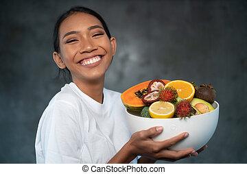 mulher bonita, tigela, jovem, frutas, retrato, sorrindo