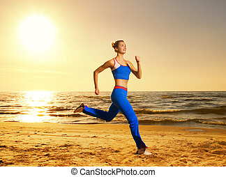 mulher bonita, tiro, jovem, executando, pôr do sol, in), fundo, não, (real, praia, photoshopped