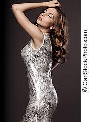 mulher bonita, vestido, prata