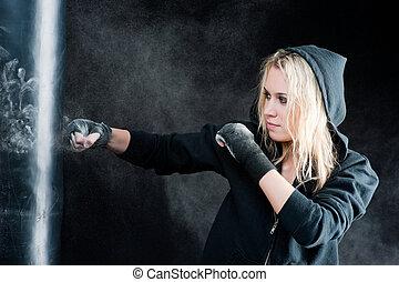 mulher, boxe, saco, pretas, loura, perfurando