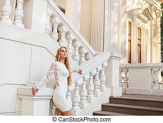 mulher, branca, loura, ao ar livre, vestido, bonito