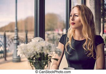 mulher, café, jovem, sentando