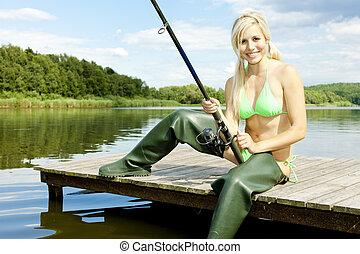 mulher, cais, pesca, sentando
