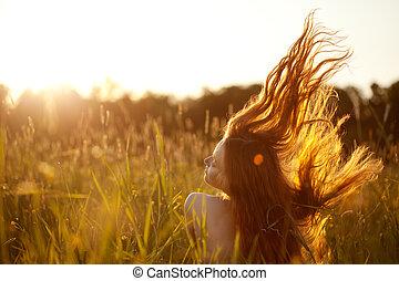 mulher, campo, sorrindo, bonito