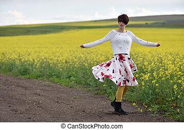 mulher, canola, dançar, campo, excitado, saia
