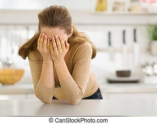 mulher, cansado, jovem, cozinha