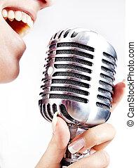 mulher, cantando, ligado, retro, microfone