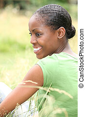 mulher, capim, africano, sentando