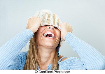 mulher, cara covering, com, chapéu