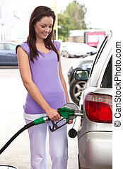 mulher carro, refueling, caucasiano, dela