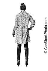mulher, casaco inverno, atrás de, elegante, visto, branca