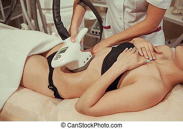 mulher, centro, médico, anti-cellulite, tratamento, spa