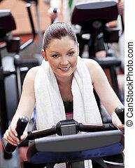 mulher, centro, positivo, exercícios, retrato, desporto