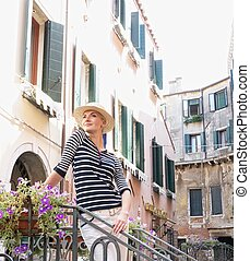 mulher, chapéu, ao ar livre
