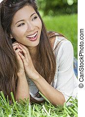mulher, chinês, jovem, menina asiática, sorrir feliz