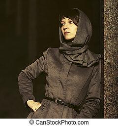 mulher, clássicas, parede, agasalho, cinzento, jovem, moda, noturna, triste