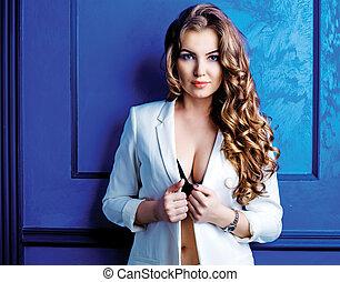 mulher, com, cabelo longo