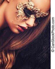 mulher, com, criativo, máscara carnaval, ligado, dela, rosto