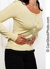 mulher, com, dor abdominal