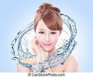 mulher, com, fresco, pele, em, esguichos, de, água